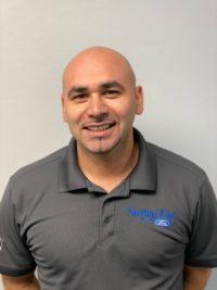 Chad Laham : Gestionnaire du département de service