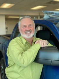 Gino Ritchot : Directeur des ventes